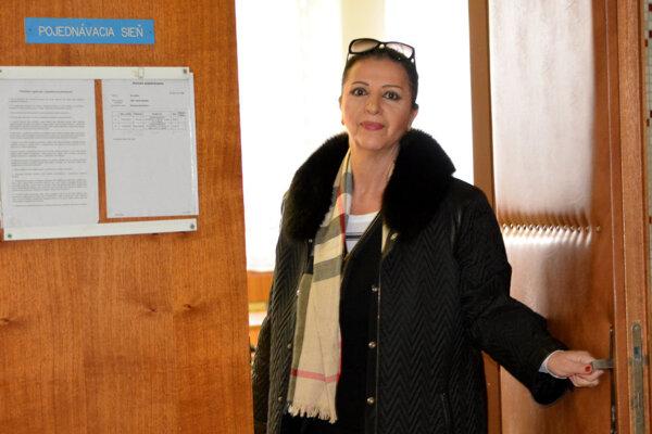 Nora Kabrheľová na súde.