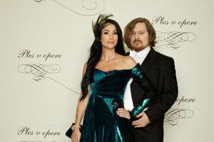 Boris Hanečka, módny návrhár a Lucia Hablovičová, podnikateľka, modelka
