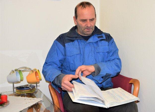 Róbert Tomčík, amatérsky meteorológ, ktorý si počasie v Turci každý deň zaznamenáva už desiatky rokov.