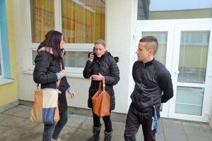 Zo ZŠ sMŠ Hurbanova chce protestne odísť 35 zamestnancov školy, najmä učitelia.
