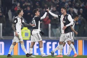Paulo Dybala (v strede) po strelenom góle.