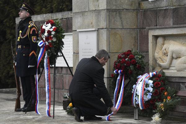 Premiér Pellegrini počas spomienkového podujatia pri príležitosti 75. výročia vypálenia obce Kľak nacistickými jednotkami.