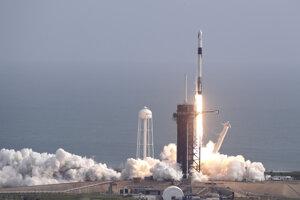Štart rakety z floridského Mysu Canaveral.