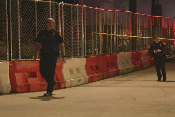Polícia v blízkosti miesta streľby v San Antoniu.