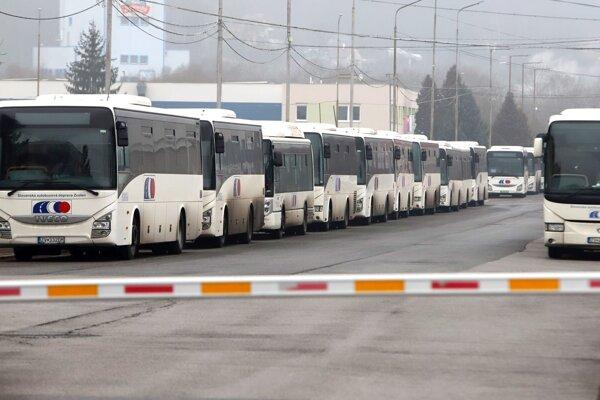 Autobusy SAD Zvolen cez víkend na cesty nevyrazili.
