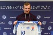 Juraj Bojko s reprezentačným dresom.