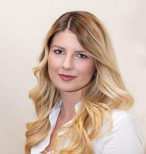 JUDr. Monika  Lichnerová, advokátska koncipientka.