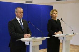Minister obrany Peter Gajdoš a prezidentka SR Zuzana Čaputová.
