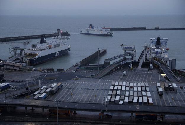 V prístave v Doveri sa nič nezmenilo.