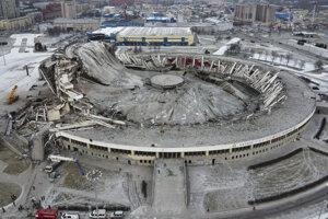 Zrútený štadión.