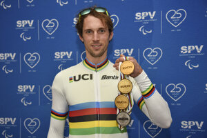 Jozef Metelka získal tri zlaté a jednu striebornú medailu z MS v paracyklistike 2020.