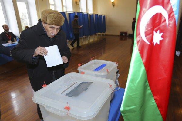 V Azerbajdžane sa konali predčasné parlamentné voľby.