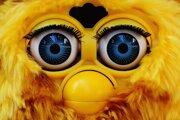 Hračka Furby sa v súčasnosti dokáže pripojiť aj na internet. To môže byť problémové. Na čo by si rodičia mali dávať pozor?