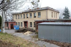 Spustnuté jasle. Či tam budú sociálne byty alebo služby pre obyvateľov, je v rukách Severanov.