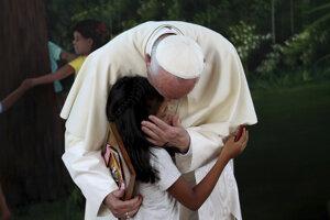 Pápež František na návšteve Amazonského pralesu v Peru.
