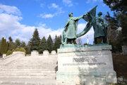 Pietny areál Háj Nicovô sa bytostne spájajú s krvavými bojmi o slobodu Liptovského Mikuláša a okolitých dedín.