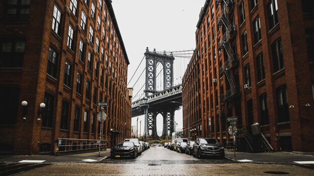 Washington Street a pohľad na Manhattan Bridge