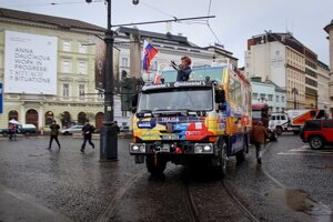 Expedícia Tatra okolo sveta 2 odchádza z centra Bratislavy.