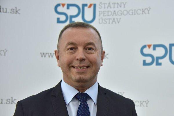 Riaditeľ Štátneho pedagogického ústavu Ľudovít Hajduk.