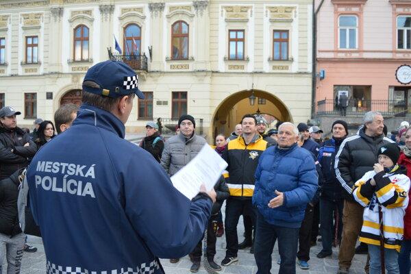Zhromaždenie na podporu výstavby tréningovej haly v Prešove museli rozpustiť. Nedodržali oznamovaciu povinnosť.