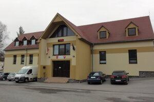 Volebný okrsok zriadila obec v zrekonštruovanom kultúrnom dome.