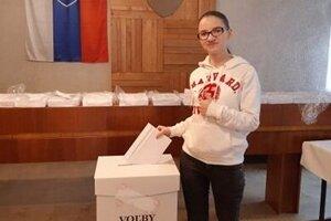 Lenka, prvovolička a maturantka, hlasovala v Pukanci.