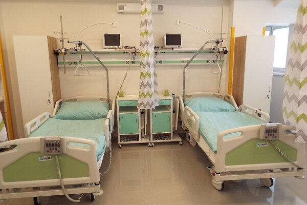 Opatrenia sa dotknú aj chodu zdravotníckych zariadení.
