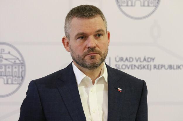 Predseda vlády SR Peter Pellegrini počas brífingu po stretnutí predsedu vlády SR s predstaviteľmi priemyslu k aktuálnej ekonomickej situácii v súvislosti s novým koronavírusom (2019-nCoV) na Slovensku.