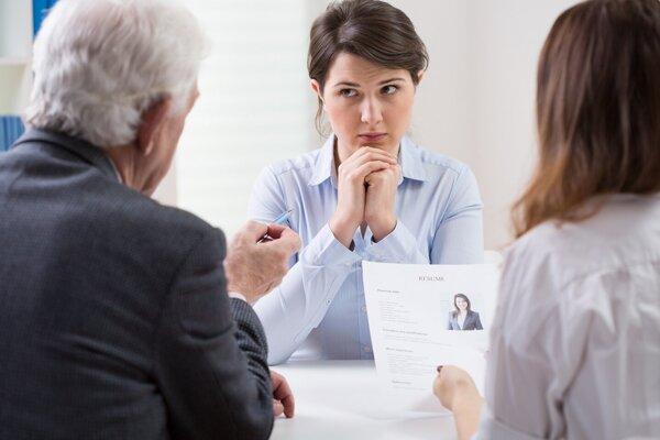 Do rúk kariérového poradcu sa na úrade práce dostanú predovšetkým tzv. znevýhodnení uchádzači o zamestnanie.