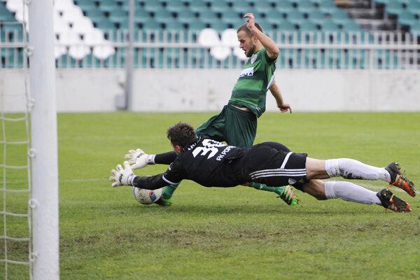 Dedinskému futbalu dal na jar prednosť aj bývalý ligový futbalista Peter Katona.
