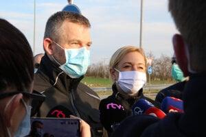 Premiér Pellegrini oznámil nové prípady koronavírusu.