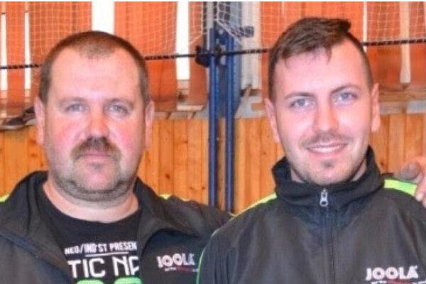 Ipeľský Sokolec sa stal majstrom I. triedy okresu Levice vstolnom tenise. (na foto dvojica zmajstrovského tímu Andrej Szabó ml. aViktor Szabó.