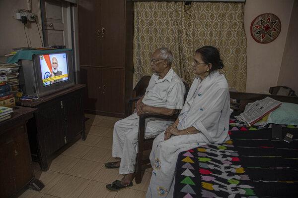 Uzavretie krajiny v televíznom prejave v utorok oznámil premiér Naréndra Módí.