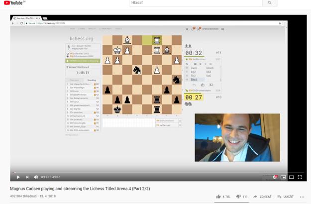 Majster sveta Magnus Carlsen v živom vysielaní na serveri lichess.org.