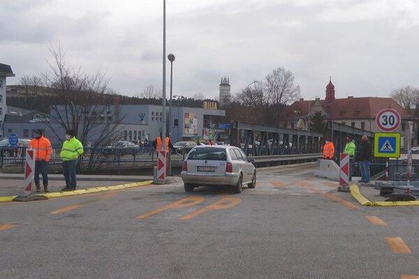 Dočasné premostenie je pre motoristov otvorené od pondelka.
