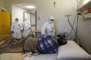 V Taliansku stále rastie počet úmrtí aj nakazených.