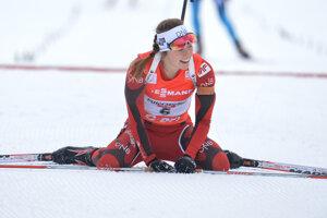 Synnoeve Solemdalová po triumfe v Hochfilzene v roku 2013.