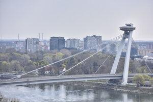 Vyhliadková veža UFO, jedna z dominánt hlavného mesta a mosta SNP.