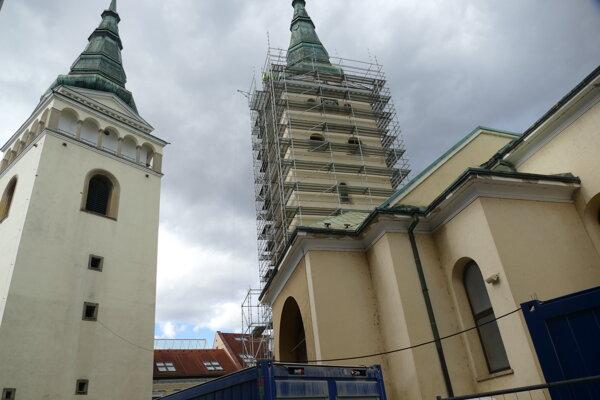 Katedrála Najsvätejšej Trojice počas rekonštrukcie v roku 2020.