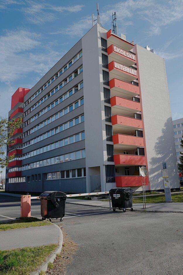 Jedno z karanténnych centier pre nový koronavírus - študentský internát v správe Prešovského samosprávneho kraja na Karpatskej ulici v Poprade.