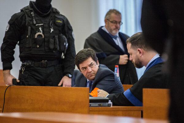 Marian Kočner v debate so svojim obhajcom Marekom Parom.