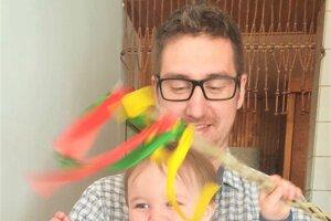 Ján Vakrčka so synom Jakubkom museli tento rok taktiež oželieť tradičné návštevy príbuzných.
