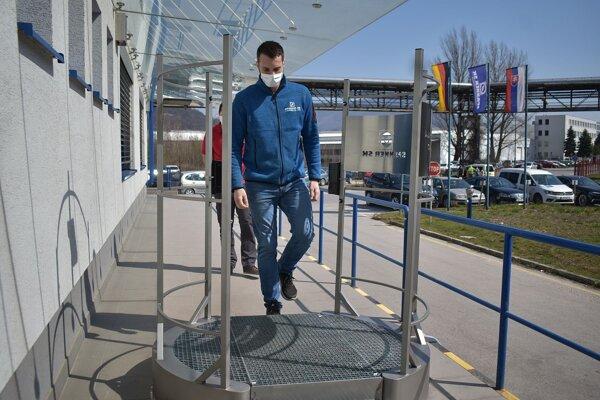 Dezinfekčná brána je výrobok, ktorým sa prispôsobila firma Spanner SK novým požiadavkám trhu.
