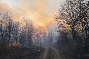 Zvyšky horenia z uzavretej zóny okolo Černobyľa.
