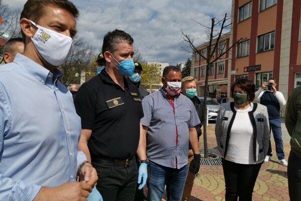 Ministri prišli na Spiš, aby si vypočuli problémy samospráv, kde sú uzatvorené lokality.