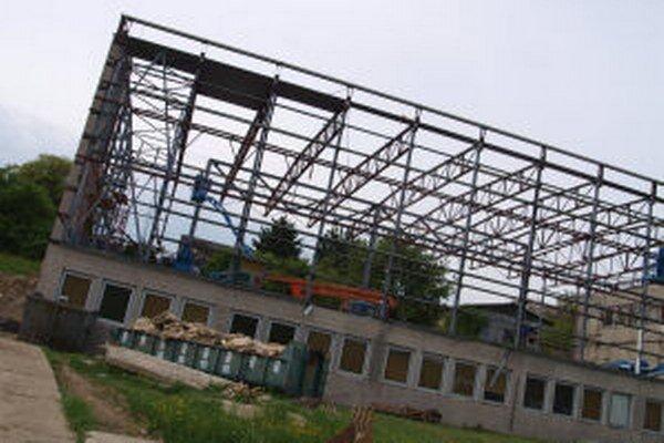 Športová hala v Žiari nad Hronom bez opláštenia.