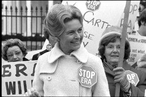 Phyllis Schlaflyová počas protestov, Washington, D.C, 1977