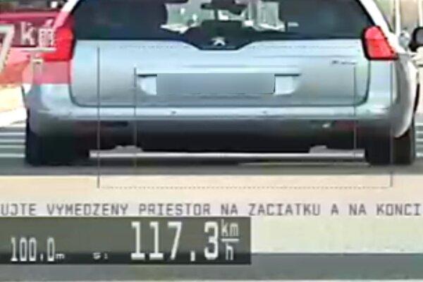 Vodiči nedodržali povolenú rýchlosť.