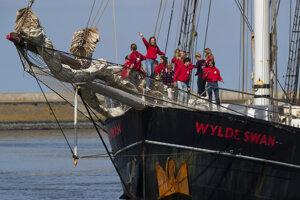 Cesta študentov, ktorých na lodi sprevádzali učitelia a skúsená posádka, trvala päť týždňov.