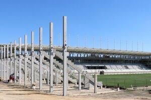 Stavebné práce na štadióne AS Trenčín pokračujú.